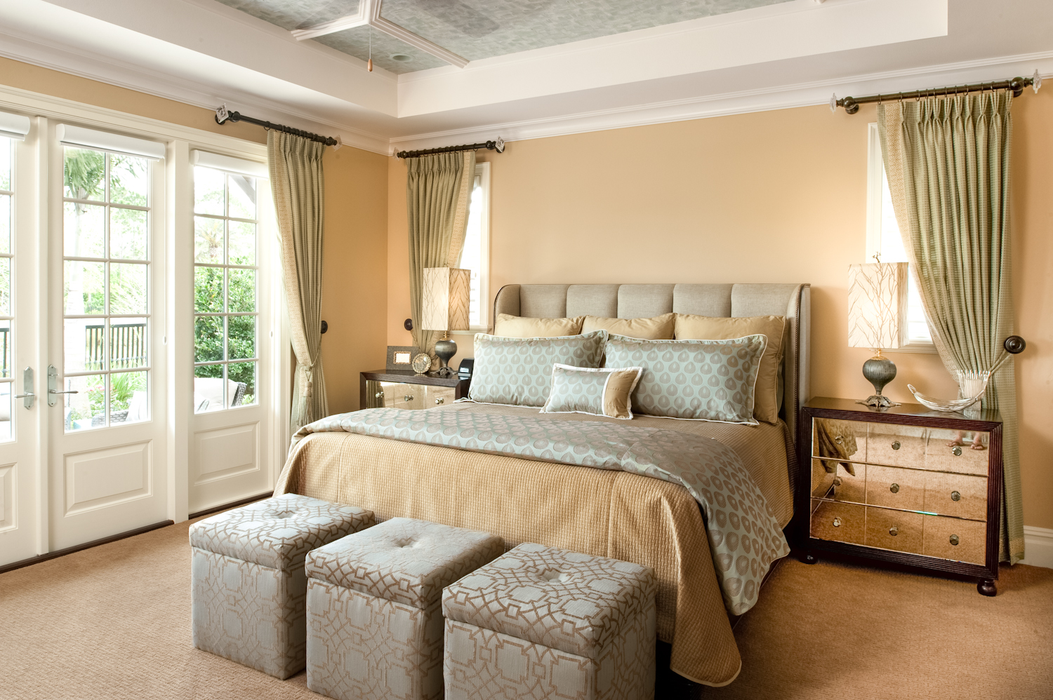 100 master bedroom ideas will make you feel rich for Bedroom decorating gallery