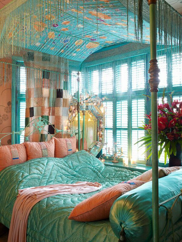 31 bohemian style bedroom interior design for Bohemian style bedroom furniture