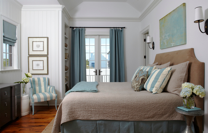 color and patterns for master bedroom