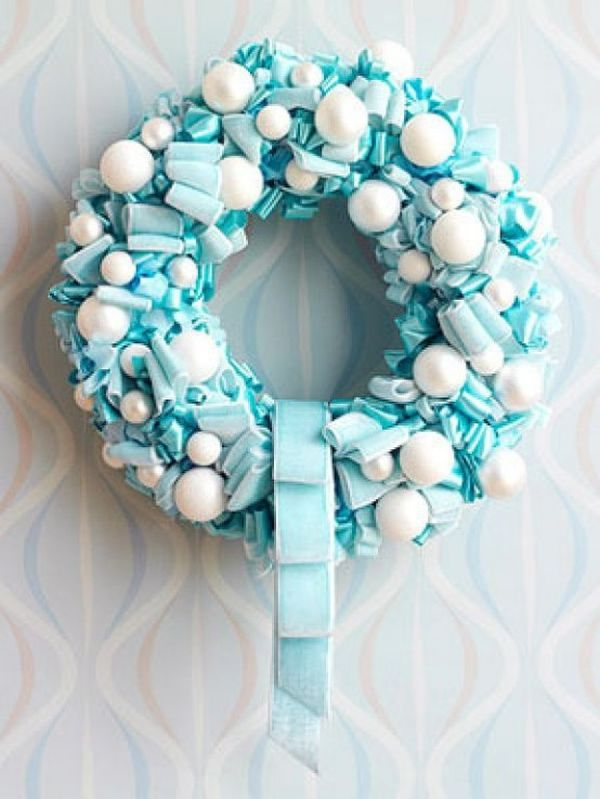 Blue and White Christmas Decoration Ideas