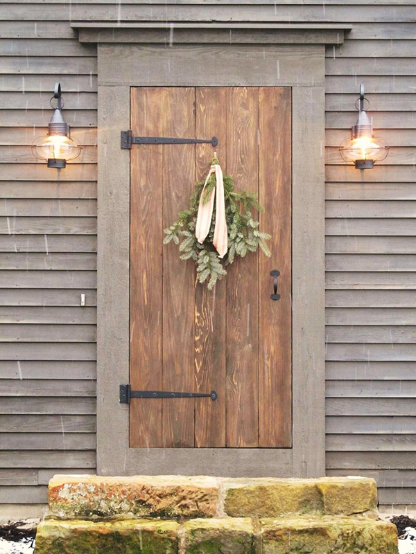 Simple Christmas Door Decoration Home Ideas
