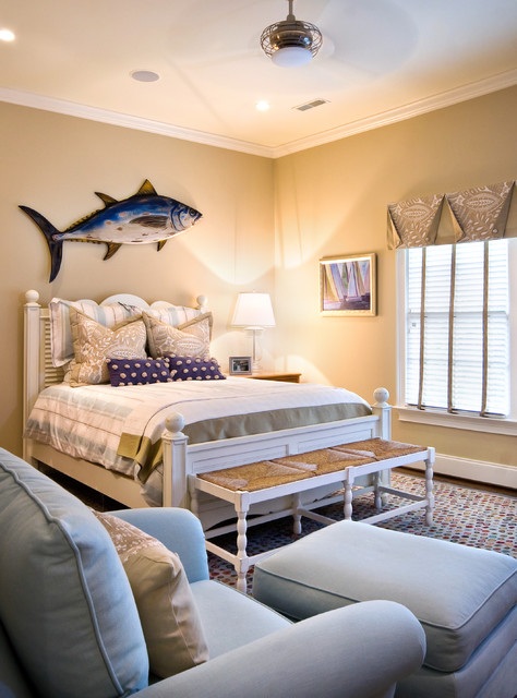 16 beach style bedroom decorating ideas for Beach bedroom ideas pictures