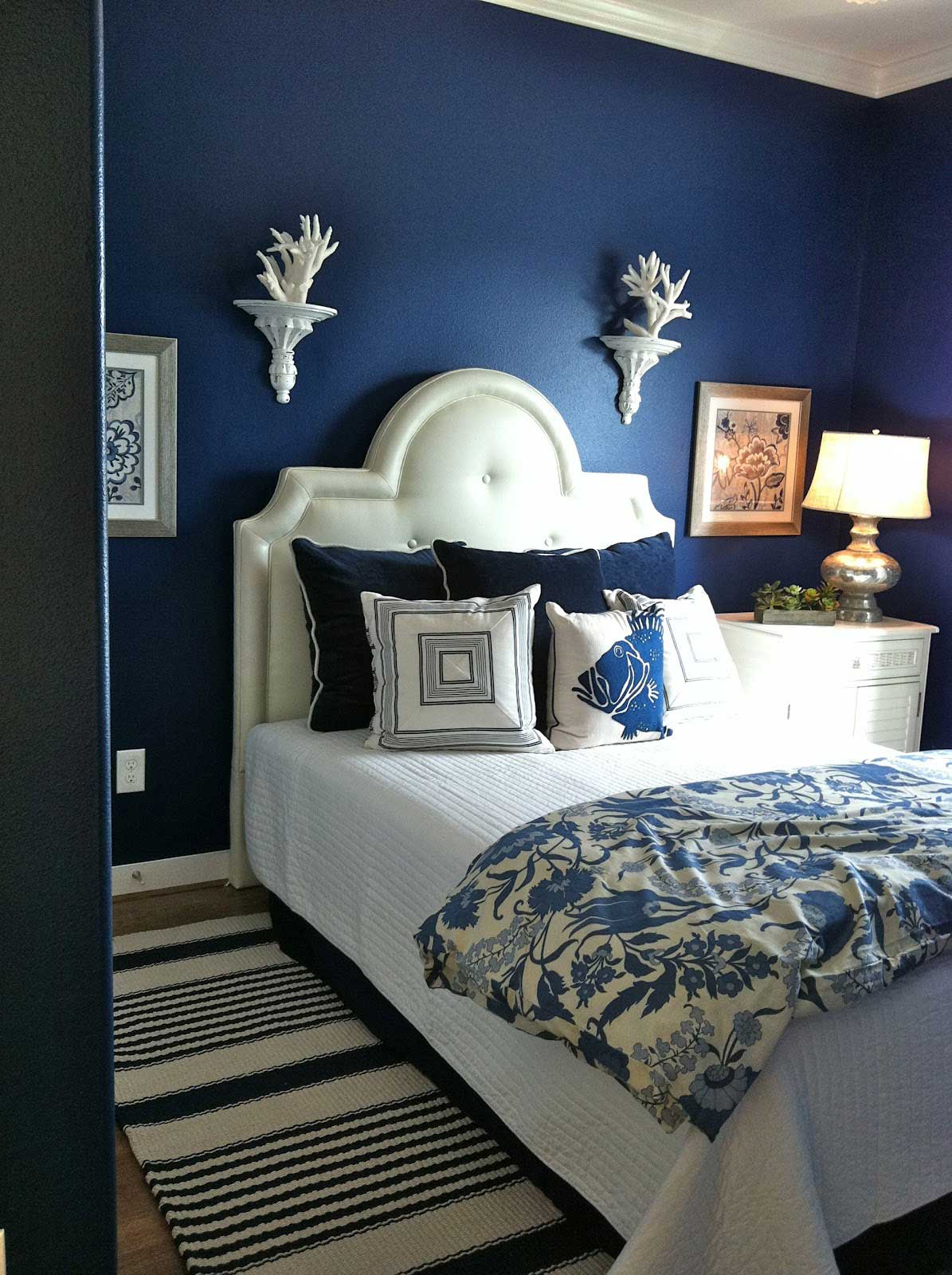 Bedroom design ideas for women blue - Dark Blue Bedroom Design