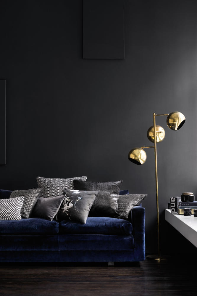 Charcoal Grey Wall Lights : 21 Different Style To Decorate Home With Blue Velvet Sofa