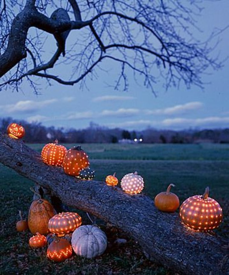 Lights in Pumpkins for Halloween