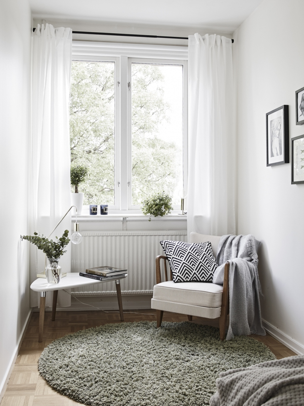 Creative scandinavian home interior combined with plants decor - Scandinavian interior design magazine ...