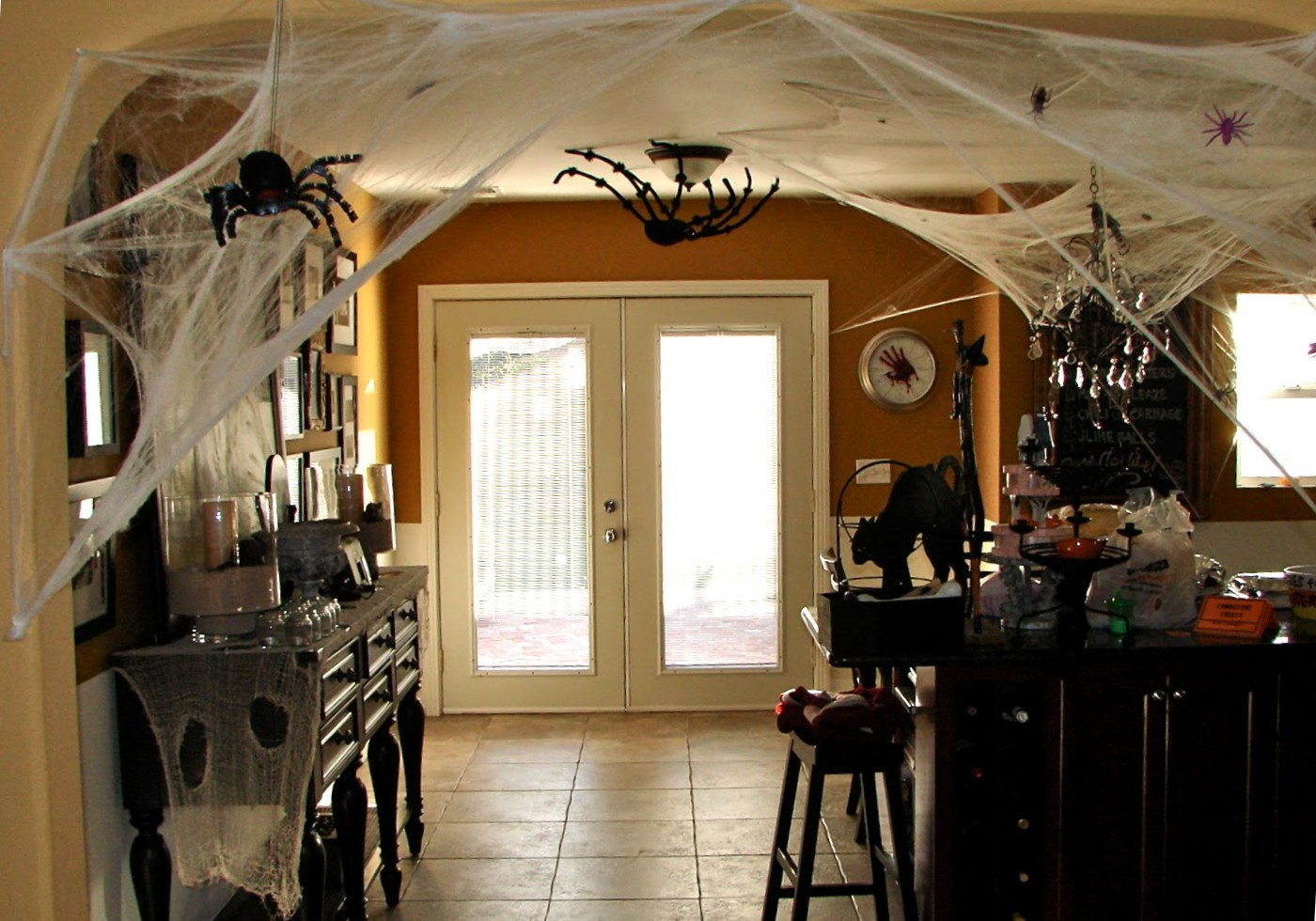 excellent Halloween kitchen decorations