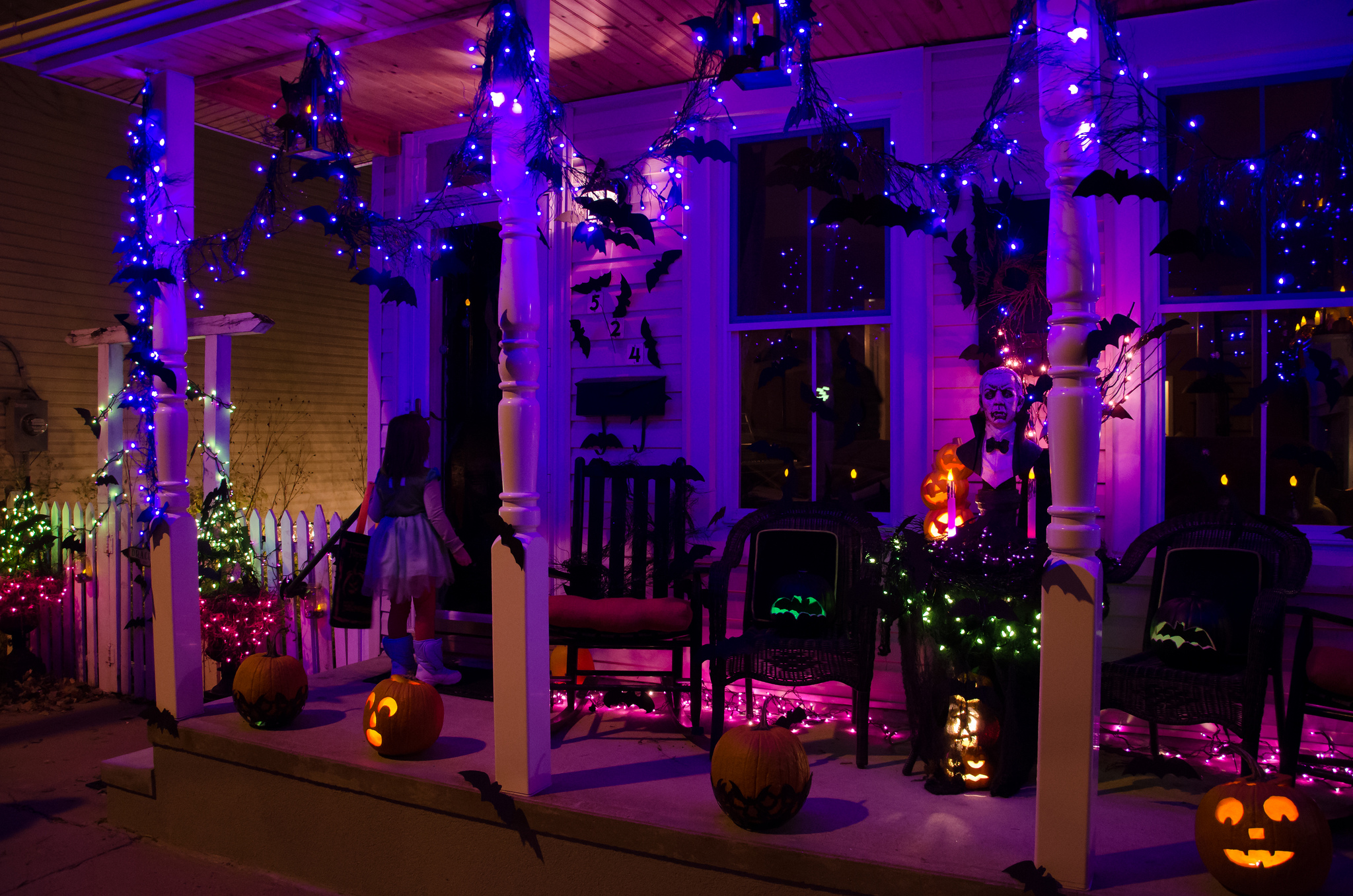 outdoor halloween decorations lights - Halloween Light Ideas