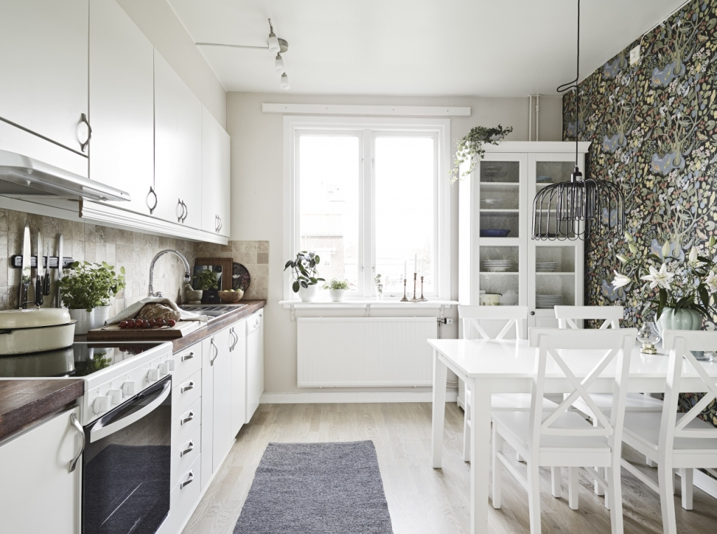Kitchen Interior Design: Creative Scandinavian Home Interior Combined With Plants Decor