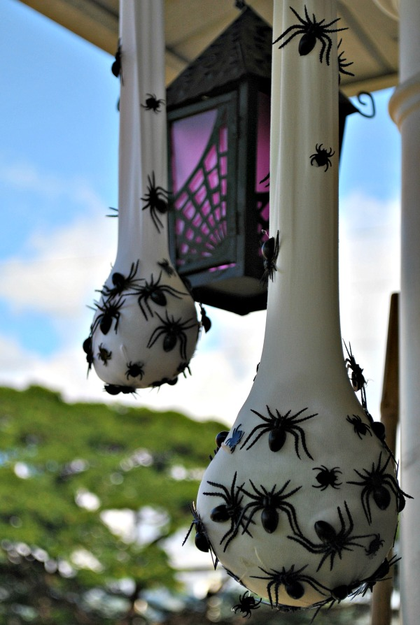 Creepy Halloween Decor Spider Signs