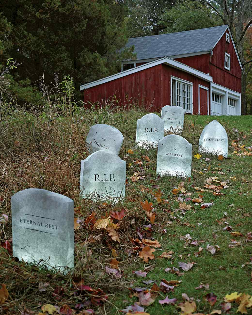 graveyard exterior halloween decorations - Spooky Halloween Decor