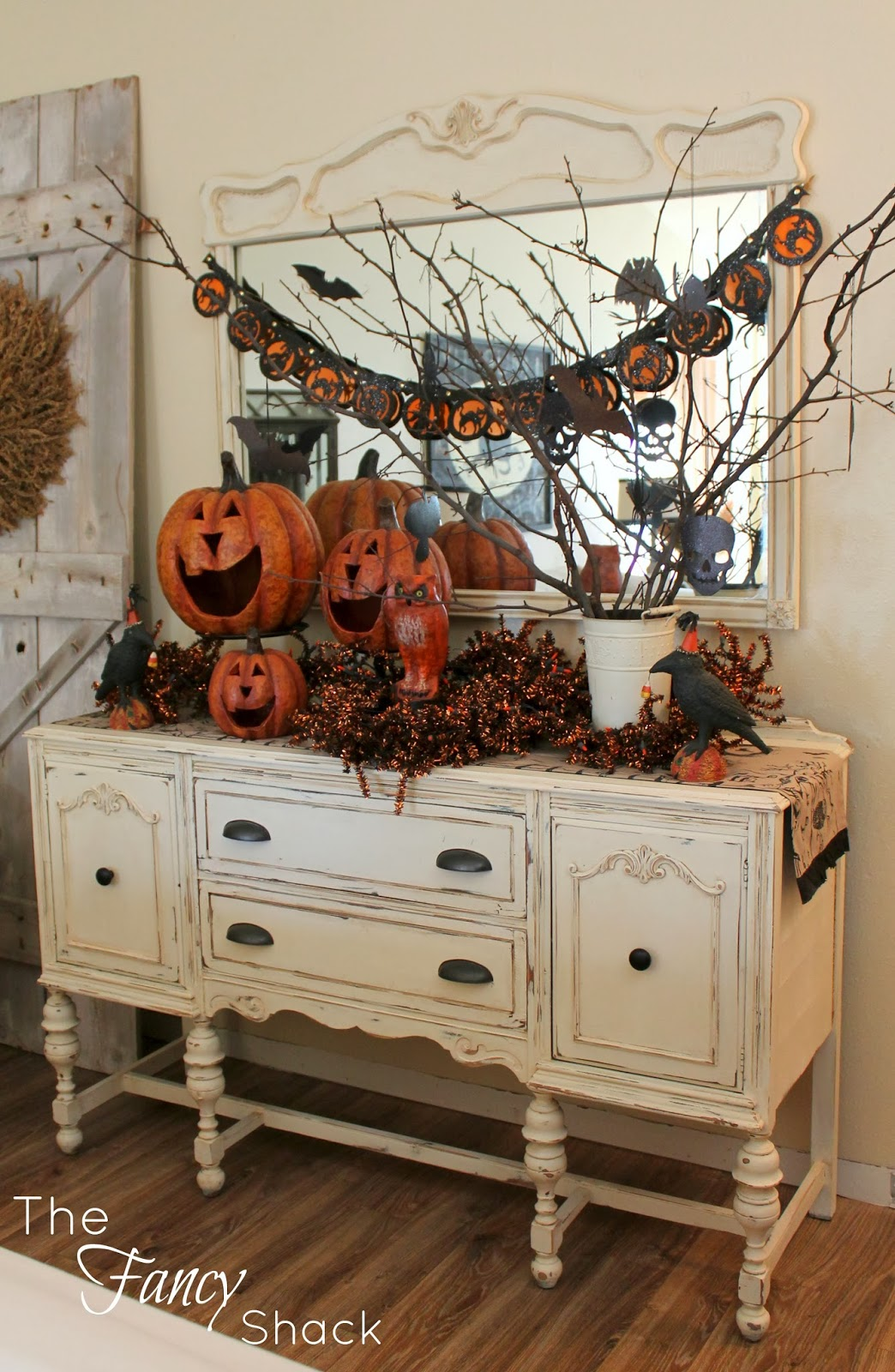 3 creative way for interior halloween decorations ideas for Home halloween decorations
