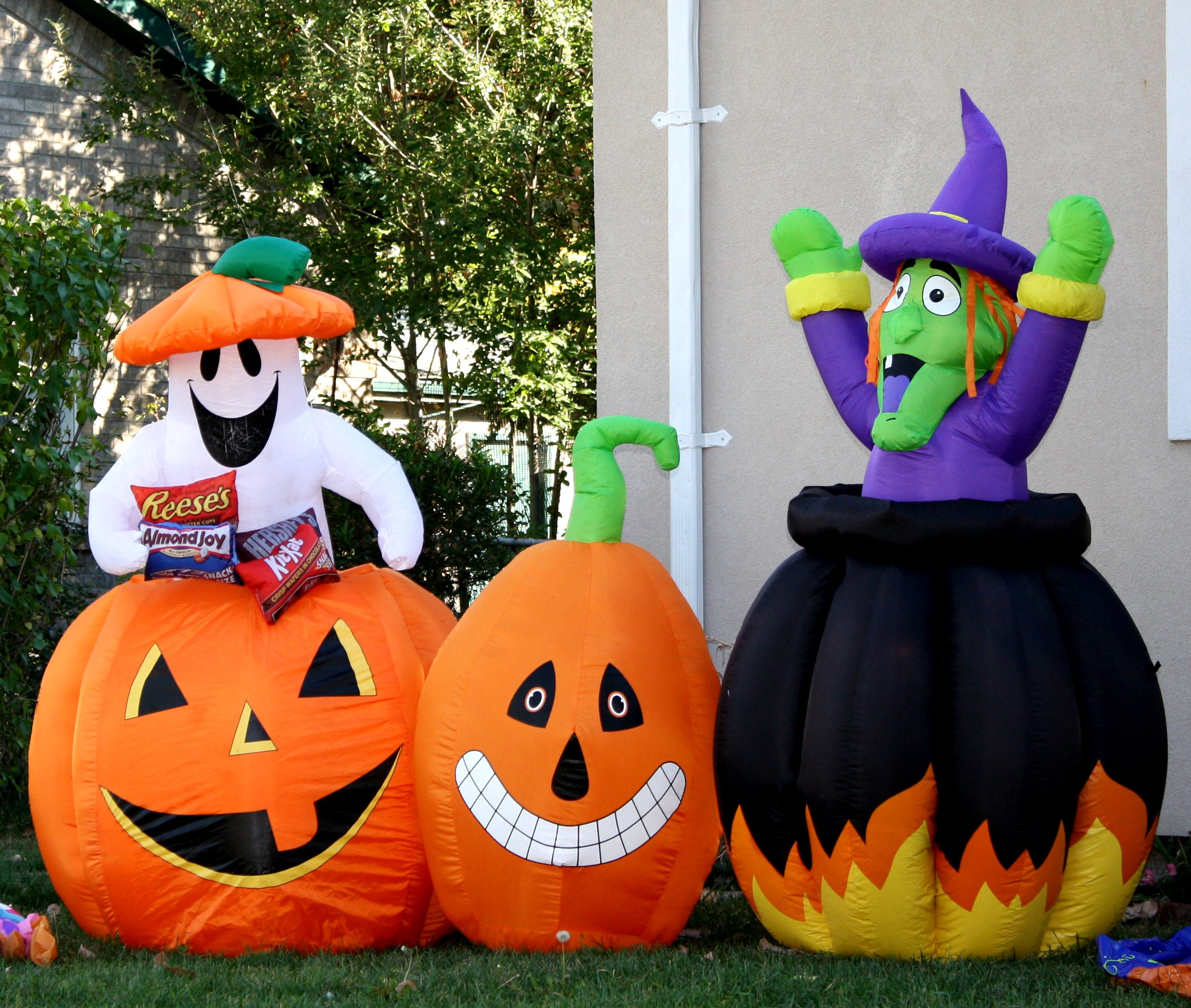 cool outdoor halloween decorations - Decorated Halloween Pumpkins
