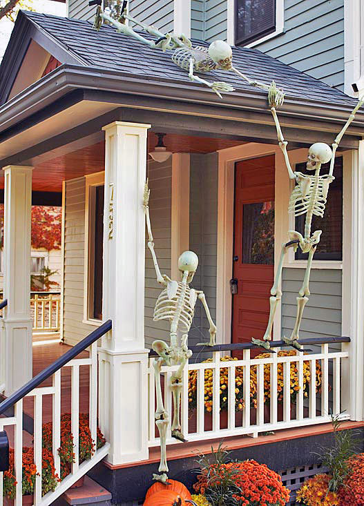 halloween front porch skeleton decor