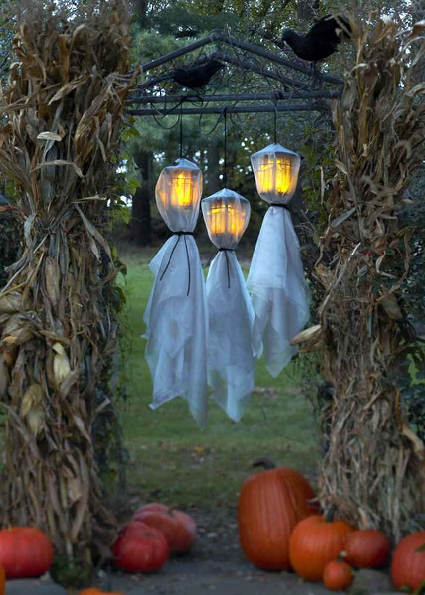 Hanging Lanterns Covered Outdoor Halloween Decoration Ideas
