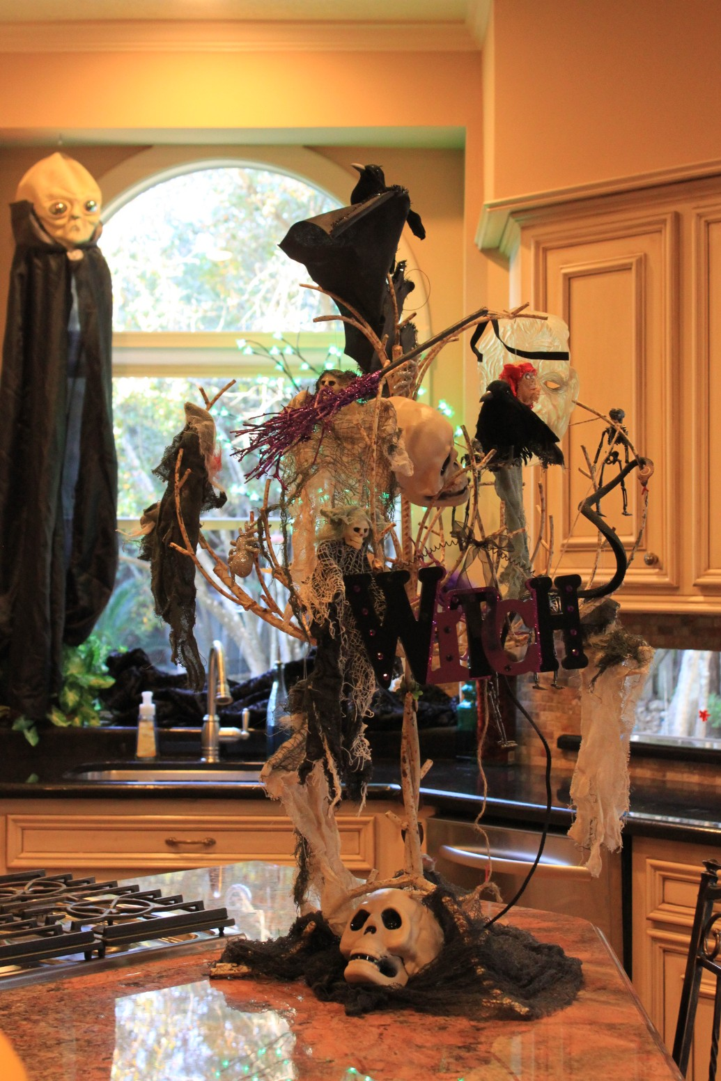 indoor tree halloween decorations ideas - Decorate Halloween