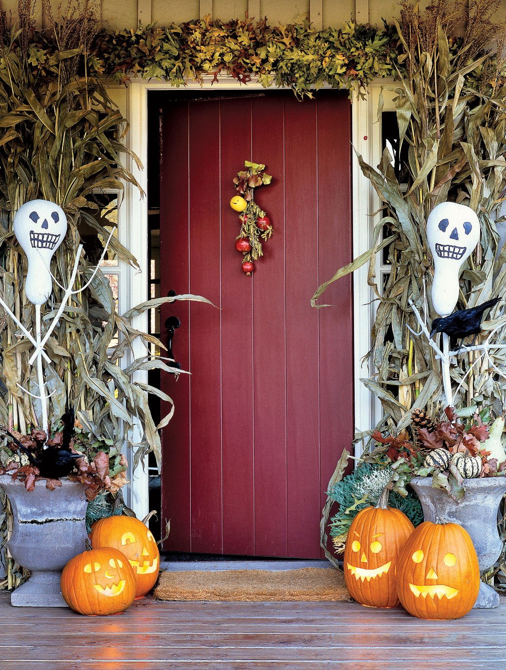 Cute halloween front porch decorations to greet your guests - Outdoor dekoration ...