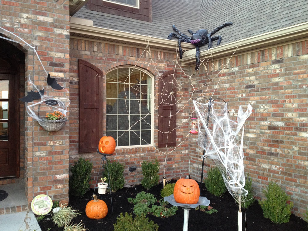 outside halloween decorations cool - How To Decorate For Halloween Outside