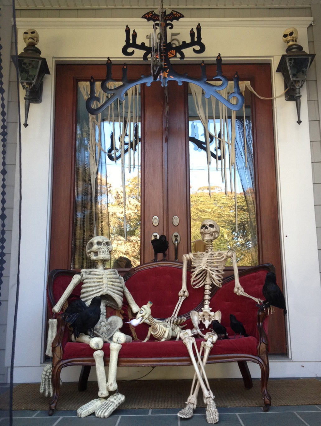 skeleton halloween decoration front porch - Halloween Kitchen Decor