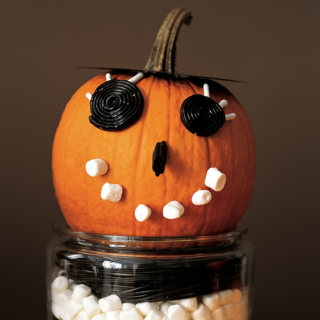 Cute halloween decorations can make your celebration stunning
