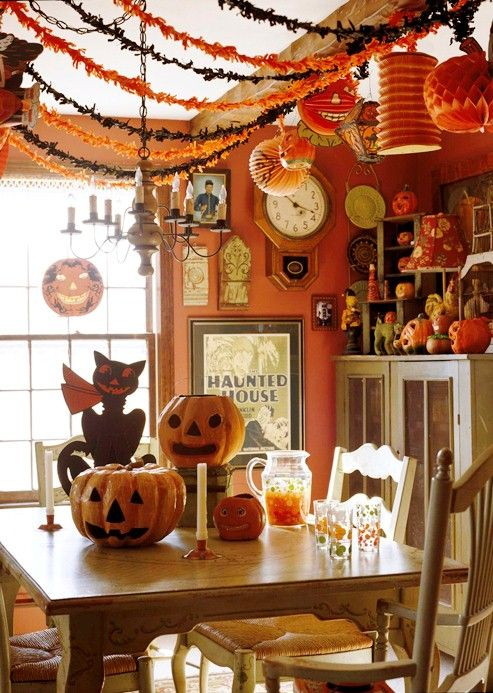 Cute Halloween Dining Room Decorations