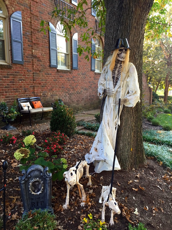 35 best ideas for halloween decorations yard with 3 easy tips - Fabriquer decoration halloween ...
