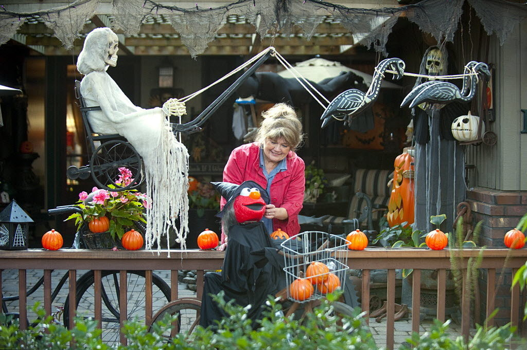 halloween decoration yard - How To Decorate For Halloween Outside
