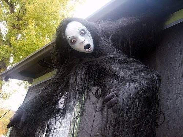 scary halloween decorating ideas for outside - Scary Decorations