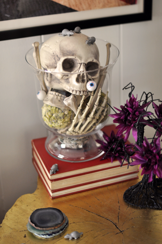 Skeleton Halloween Decor Ideas
