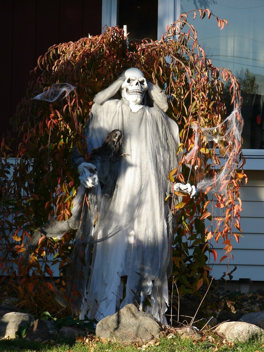 halloween decorations scary skull ghost - Halloween Yard Decoration Ideas