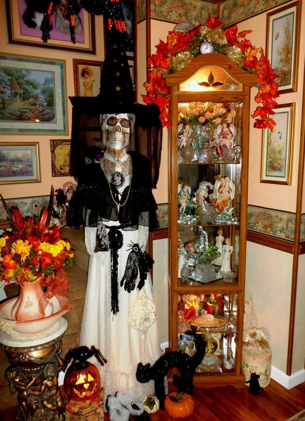 Halloween Skul Decorations. Scary Halloween Skull In White Color Wear Black  Hat Wooden Classy Part 73