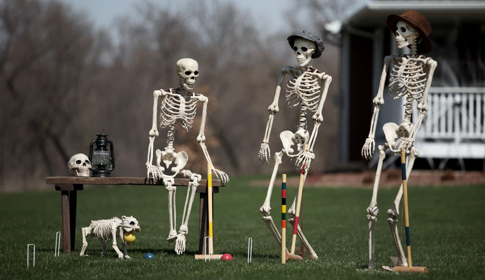 outdoor cute funny halloween decorations skeleton croquet scene