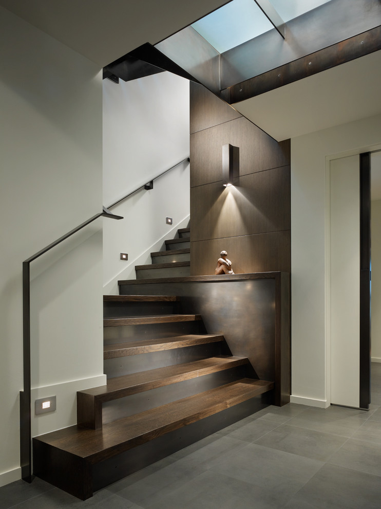 Contemporary wooden open staircase idea