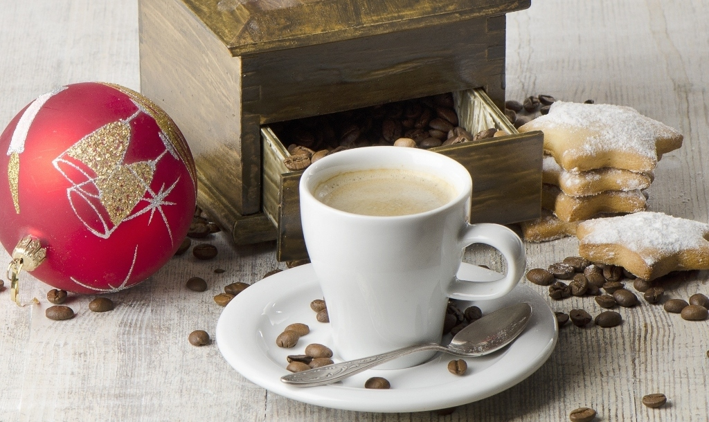 Coffee cup baubles