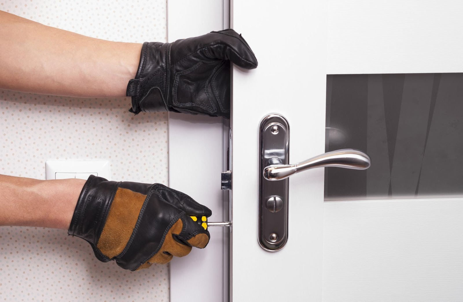 A Locksmith for Break-In Services