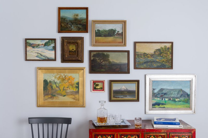 Hang up your art collections