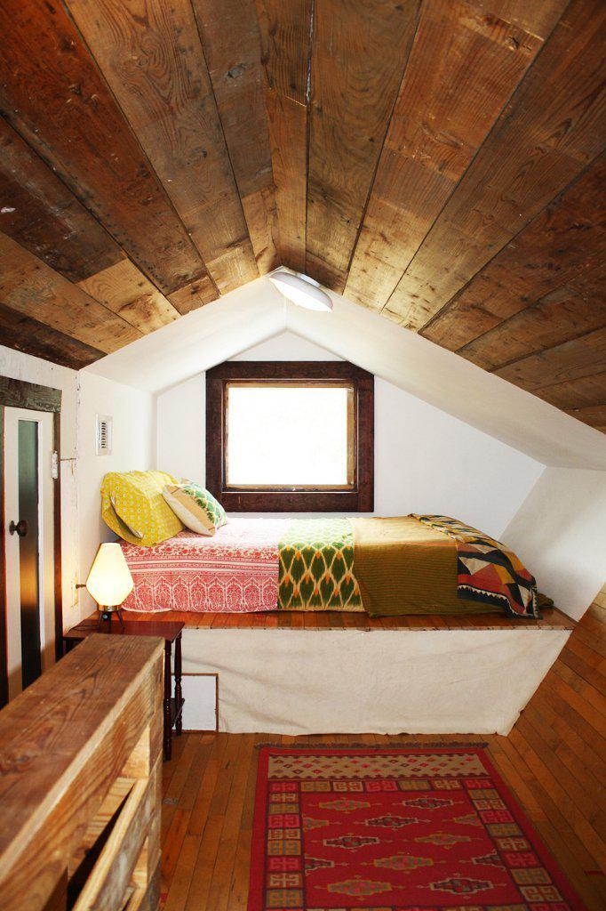 Erins Warm and Wood Wrapped Austin Budget Bungalow