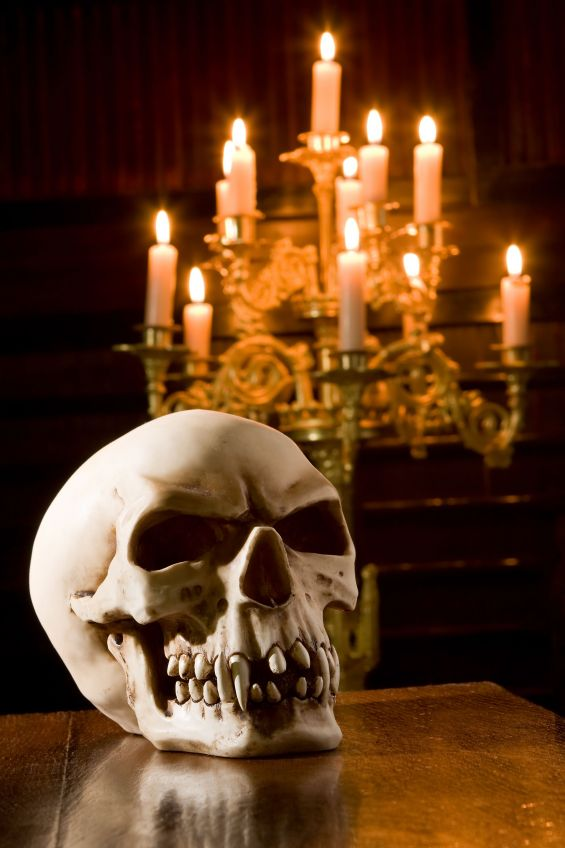 Candles Scary skull licing room decor