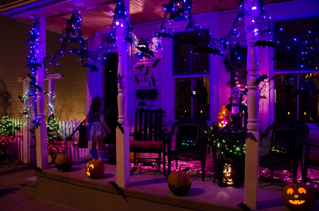 outdoor halloween decorations lights