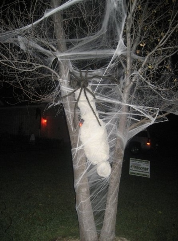 scary halloween decoration ideas spider web