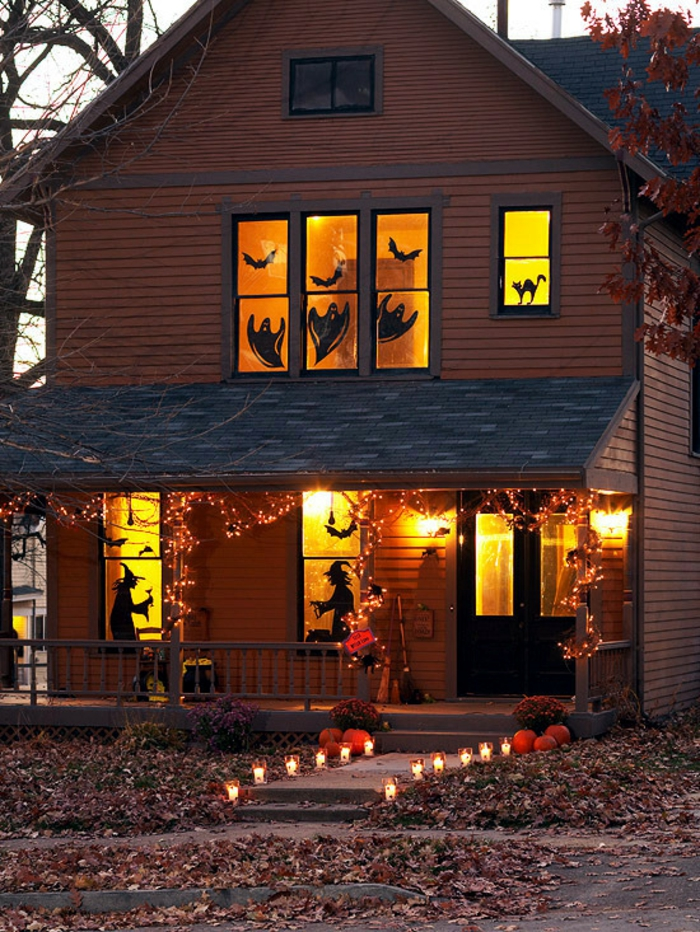 Unique Halloween Decorating Ideas for Windows