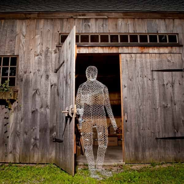 chicken wire Halloween ghost decoration