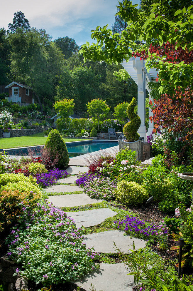 backyard landscaping pathways