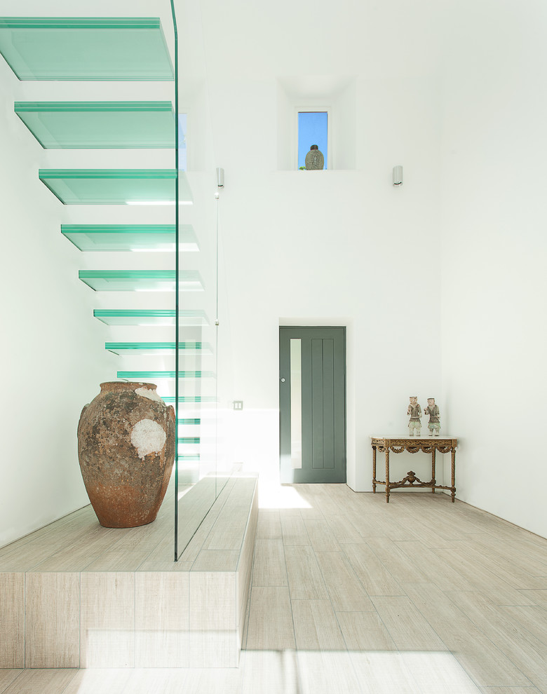 With Glass Staircase Design