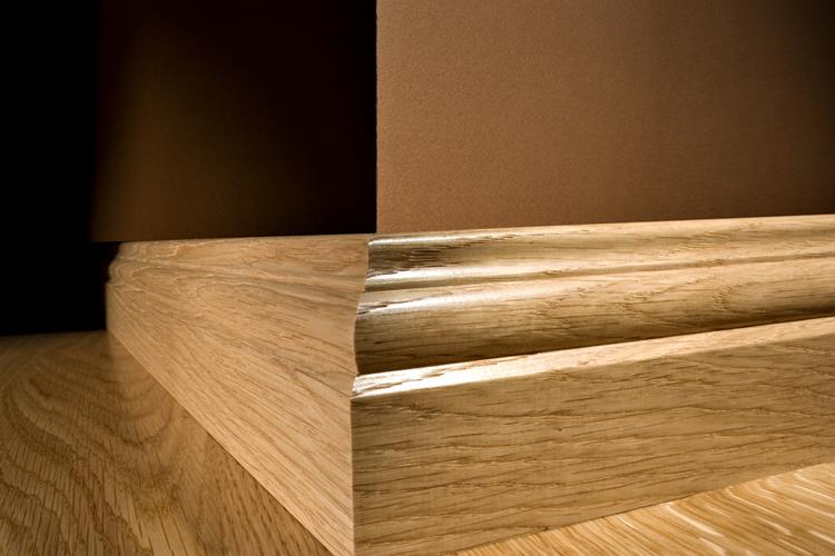 The hardwood skirting