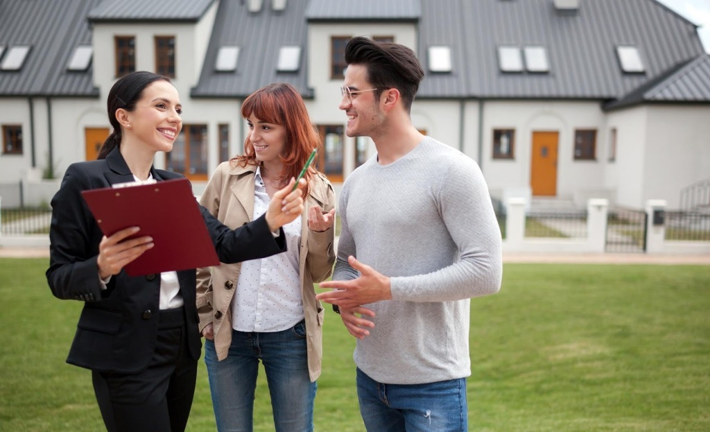 Choosing a Real Estate Agent: 5 Top Tips for Hiring an Agent » Residence  Style